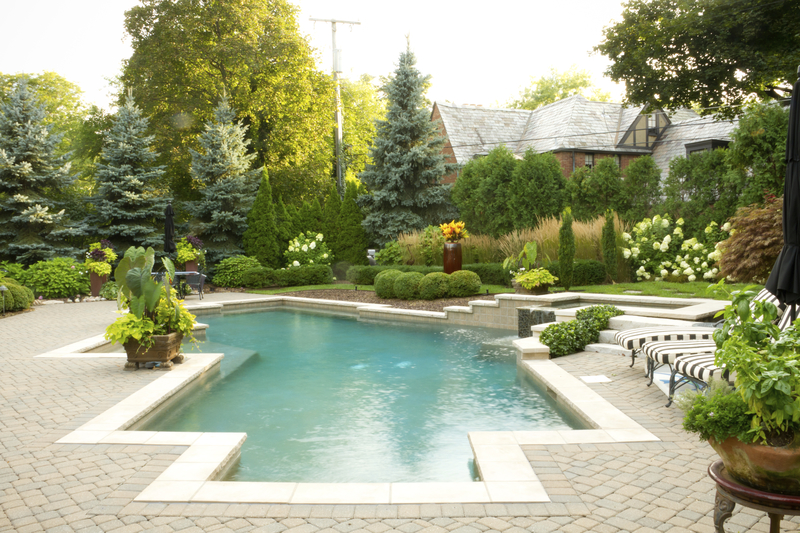 A Guide to Pool Deck Materials