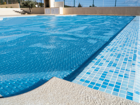 How To Keep Your Pool Cover In Good Conditon This Winter ...